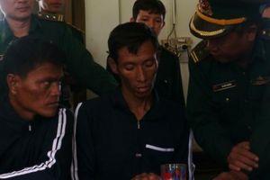 Trôi từ Philippines đến Việt Nam, 2 người nước ngoài được cứu sống