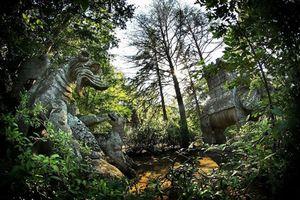 Bí ẩn rùng mình về 'khu vườn quái vật' kỳ dị nhất TG