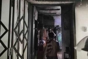 TP.HCM: Cháy dữ dội tại căn hộ chung cư, người dân hoảng loạn chạy thoát hiểm