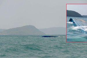 Sống sót thần kỳ trong sà lan bị lật giữa biển gần 2 ngày