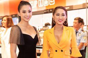 Hoa hậu Tiểu Vy dịu dàng đọ dáng cùng siêu mẫu nóng bỏng Quỳnh Thy