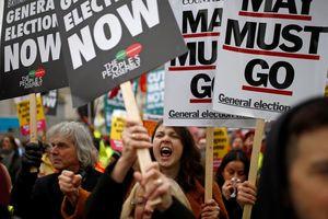 Nước Anh rơi vào khủng hoảng chính trị trầm trọng nhất