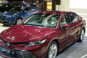 Toyota Camry 2019 giá 1 tỷ đồng chuẩn bị về Việt Nam có gì đáng chú ý?
