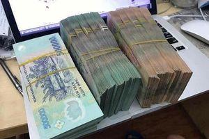 Rao bán tiền giả ngang nhiên trên Facebook dịp cận Tết