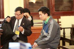 Bác sỹ Lương mệt mỏi, xin giữ quyền im lặng tại tòa