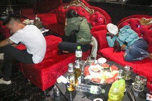 11 nam thanh nữ tú dương tính với ma túy trong quán bar Diamond ở Vĩnh Long