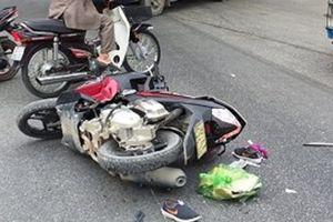 Nghệ An: Người phụ nữ nguy kịch sau va chạm xe tải