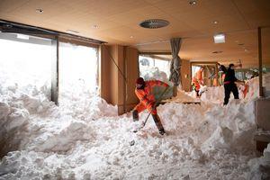 Mùa đông khắc nghiệt với tuyết rơi dày ở nhiều nơi trên thế giới