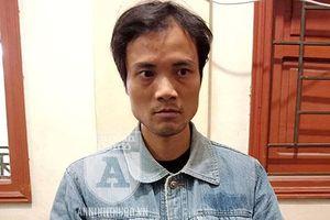 Thanh niên bị bắt tại nhà khi đang... ung dung bán ma túy cho khách