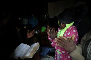 Cận cảnh cuộc sống bên trong ngôi làng biệt lập và bị lãng quên ở Haiti