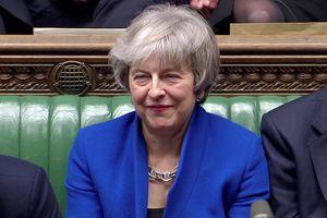 Thủ tướng May 'sống sót' qua cuộc bỏ phiếu bất tín nhiệm