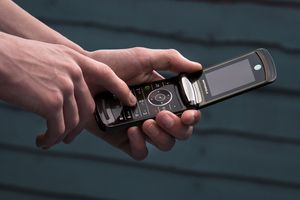 Motorola RAZR hồi sinh dưới dạng màn hình gập