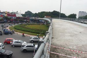 Thông xe cầu vượt Nguyễn Kiệm sau hơn 10 tháng tạm ngưng thi công