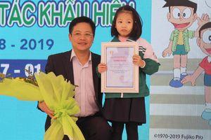Cô bé 6 tuổi đoạt giải đặc biệt cuộc thi về luật giao thông