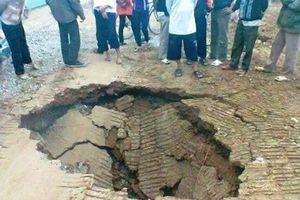 Sụt lún bất thường tại Khánh Thượng, huyện Ba Vì