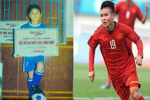 Quang Hải cùng các cầu thủ tuyển Việt Nam 10 năm trước và bây giờ