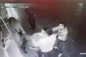 Cô gái trẻ bất ngờ bị nhóm thanh niên ghẹo, hành hung đến hoảng loạn