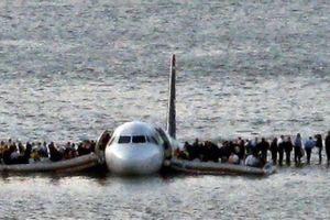 10 năm vụ máy bay chở 155 người hạ cánh 'liều' nhất lịch sử: Ký ức kinh hoàng