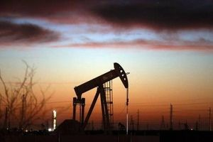 Lo ngại nguồn cung, giá dầu vẫn chưa khả quan