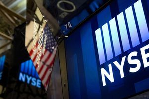 Lợi nhuận doanh nghiệp tốt kéo chứng khoán Mỹ tăng điểm mạnh