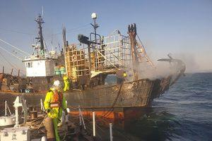 Tàu Hàn Quốc bốc cháy, thuyền viên người Việt mất tích