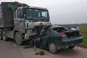Danh tính tài xế tử vong vụ ô tô 4 chỗ đối đầu xe đầu kéo ở Nam Định