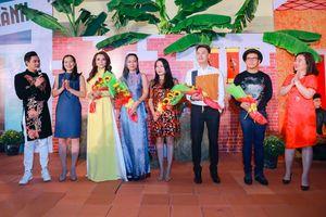 Áo dài Minh Châu ra mắt BST mới mang tên Đỏng đảnh