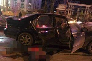 Va chạm ô tô trong đêm, người đàn ông đi xe máy bị kéo lê, tử vong