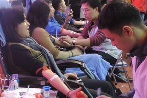 Tuổi trẻ Bộ Thông tin và Truyền thông nô nức hiến máu tình nguyện