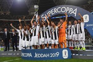 Đánh đầu ghi bàn, Ronaldo có danh hiệu đầu tiên cùng Juventus