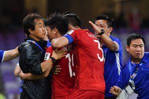 Oman ghi bàn phút 90+3, tuyển Việt Nam đau đáu chờ Triều Tiên đá hết mình