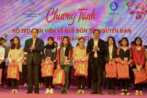 Hỗ trợ 160 sinh viên có hoàn cảnh khó khăn về quê đón Tết