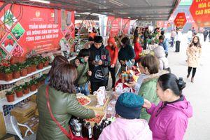Tuần hàng dâu tây lần đầu tiên được tổ chức tại Big C Thăng Long