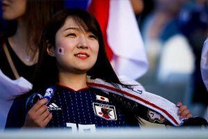 CĐV Nhật Bản rạng rỡ trong ngày vượt qua Uzbekistan