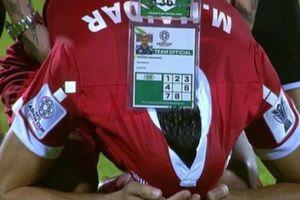 Cầu thủ Lebanon gục khóc nức nở khi phải 'nhường vé' cho Việt Nam