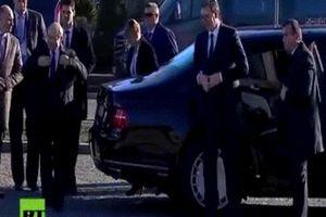Siêu xe 'boong-ke 4 bánh' của ông Putin gây chú ý ở Serbia