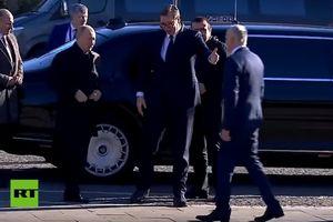 Tổng thống Putin lái limousin bọc thép 6 tấn chở Tổng thống Serbia