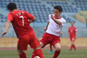 Phó Thủ tướng Vũ Đức Đam ghi 2 bàn trong trận bóng giao hữu với nghị sĩ Hàn Quốc
