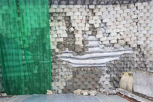 Buộc tháo dỡ 'tường thành khổng lồ' trái phép 'treo' trên khu dân cư ở Nha Trang