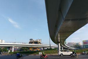 Thông xe cầu vượt tại cửa ngõ sân bay Tân Sơn Nhất