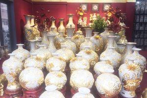 Đồ gốm sứ trang trí đắt... như vàng