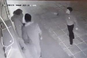 Chủ cửa hàng kinh doanh quần áo lên tiếng về vụ cô gái bị hành hung ở Linh Đàm