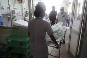 Đối tượng cầm dao đâm chết người tại trạm y tế ra đầu thú