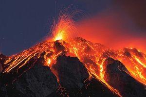 Nhật Bản: Núi lửa phun trào ở hòn đảo Kuchinoerabu