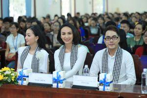 Hoa hậu Ngọc Diễm: 'Sự an yên của tôi nằm ở cô con gái nhỏ'