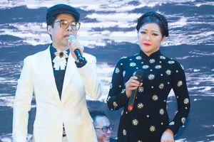 Như Quỳnh, Ngọc Sơn trả lời về tin đồn đám cưới trên sân khấu