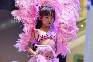 Mẫu nhí ở Trung Quốc - nghề vui đang biến tướng phản cảm