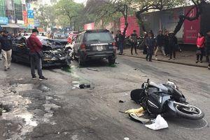 Xe Ford Escape lao nhanh, tông hàng loạt phương tiện, ít nhất 1 người tử vong