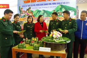 Sôi nổi chương trình 'Xuân biên cương, Tết quân dân' tại Sơn La