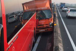Va chạm liên tiếp trên cao tốc TPHCM – Trung Lương, nhiều người hoảng loạn